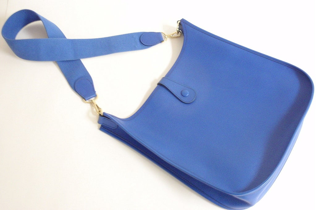 HERMES Evelyne GM Courchevel Leather Blue Hydra Shoulder Bag at ...