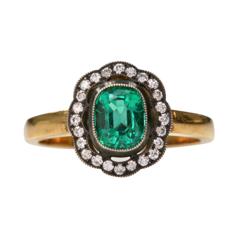emerald flower ring at 1stdibs