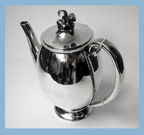 Evald Nielsen Danish Silver Coffee Service, circa 1930 In Good Condition For Sale In Toronto, ON