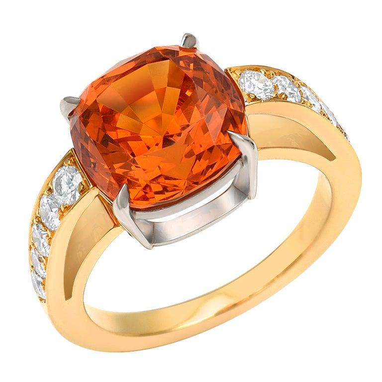 TAMIR Rare and Exquisite Mandarin Garnet and Diamond ring. 1