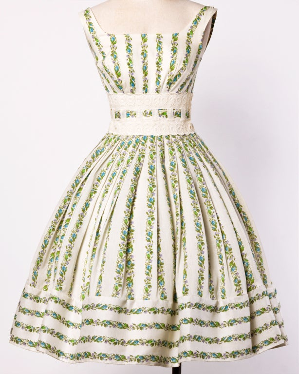 1950's Vintage Floral Lace Full Sweep Party Dress with Crinoline 2