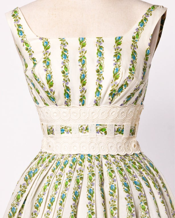 1950's Vintage Floral Lace Full Sweep Party Dress with Crinoline 3