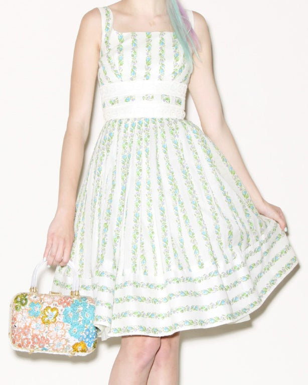 1950's Vintage Floral Lace Full Sweep Party Dress with Crinoline 7