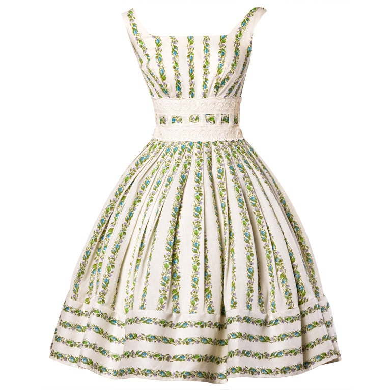 1950's Vintage Floral Lace Full Sweep Party Dress with Crinoline 1