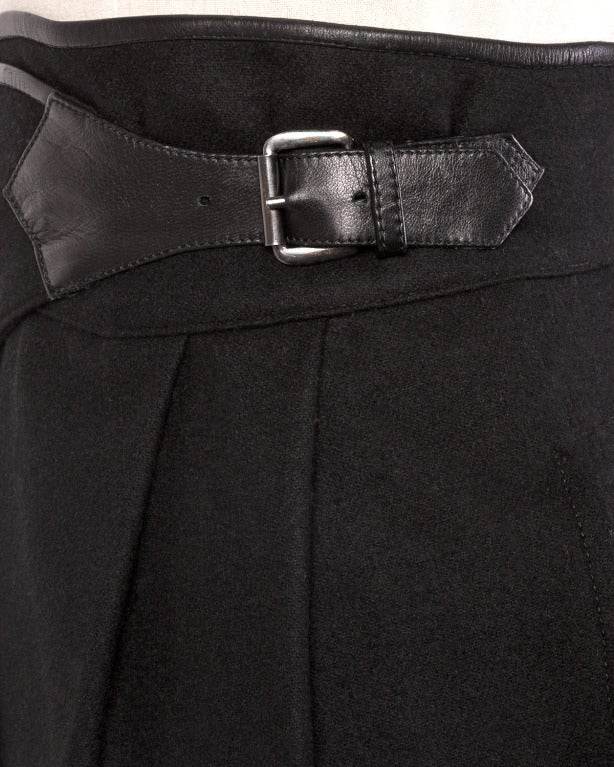 Byblos Buttery Leather + Wool High Waisted Black Pencil Skirt For Sale 3