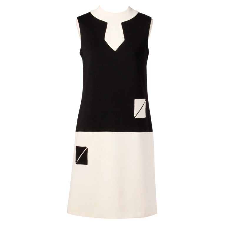 Nina Ricci 60s Vintage Black + White Wool / Silk Mod Shift Dress