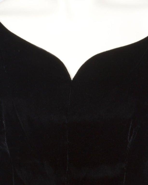 1950s 50s  Vintage Black Velvet + Taffeta Cocktail Party Dress with Full Sweep 3