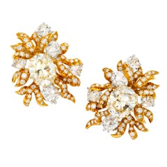 JULIUS COHEN Magnificent Diamond and Gold Flower Earclips
