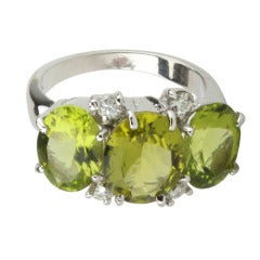 Mini GUM DROP™ Ring with Peridot and Diamonds