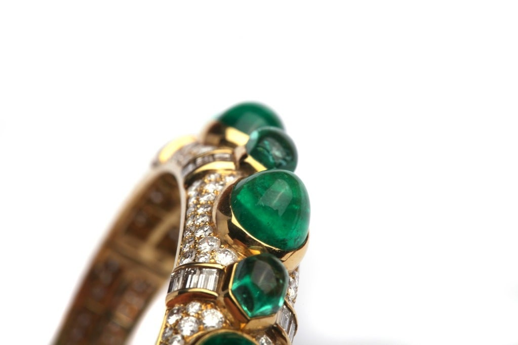 A Bulgari Emerald Diamond Bracelet In Excellent Condition For Sale In New York, NY