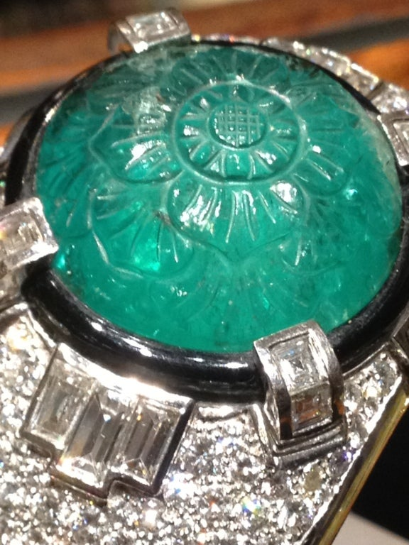 Magnificent Carved Mughal Emerald and Diamond Bangle 2