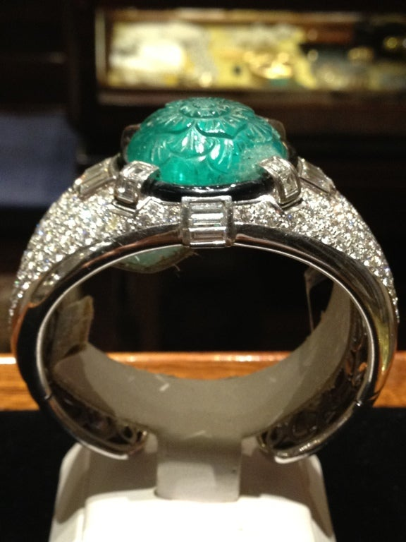 Magnificent Carved Mughal Emerald and Diamond Bangle 3