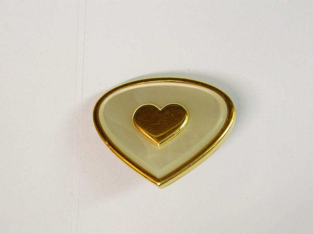 Marina B. Mother of Pearl Gold Heart shaped earrings In Excellent Condition For Sale In New York, NY