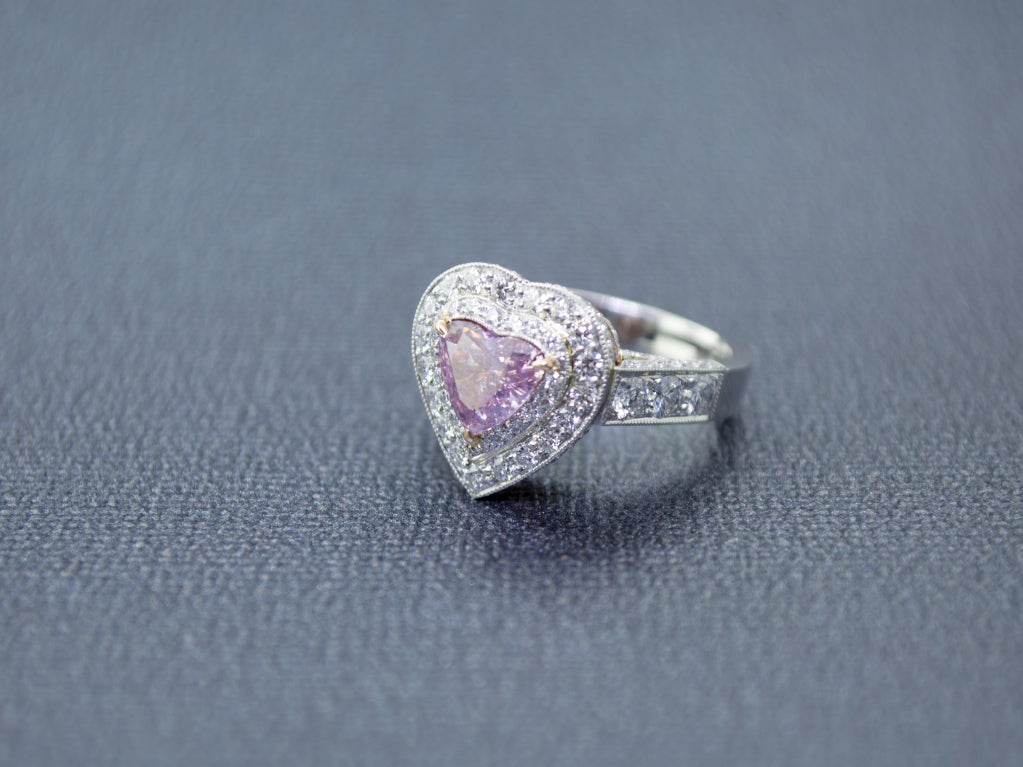 Rare Fancy Intense Pink Diamond Ring In New Condition In Newport Beach, CA