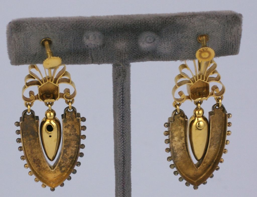 Lovely Articulated Victorian Enamel Gold Earrings In Excellent Condition For Sale In Riverdale, NY