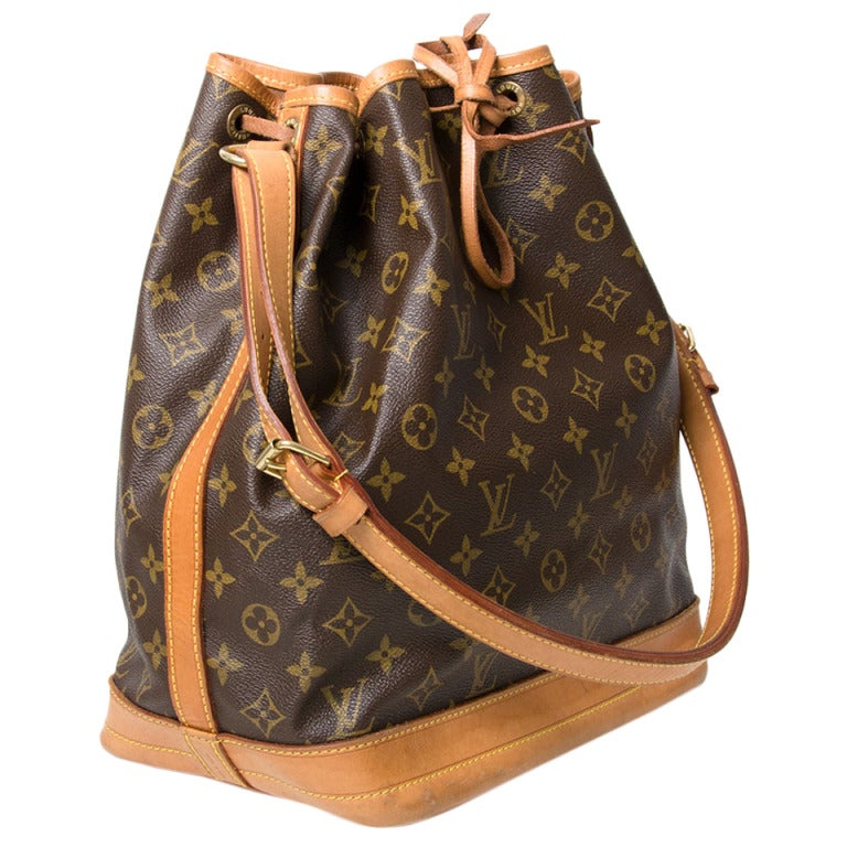louis vuitton large monogram noe shoulder bag at 1stdibs. Black Bedroom Furniture Sets. Home Design Ideas