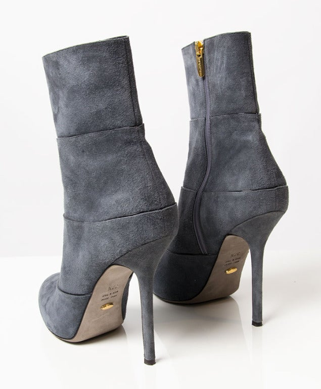 Sergio Rossi grey blue suede highheel boots. Their side zip fastening makes them easy to slip on.