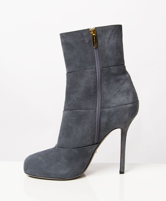 Sergio Rossi Grey Blue Suede Ankle Boots In Excellent Condition For Sale In Antwerp, BE