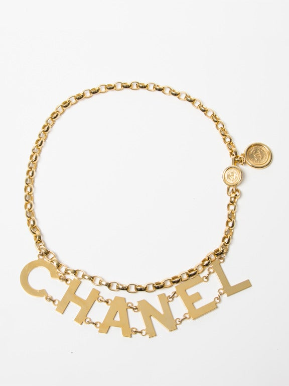 Chanel Letter Necklace Wallpaper Gallerychitrak