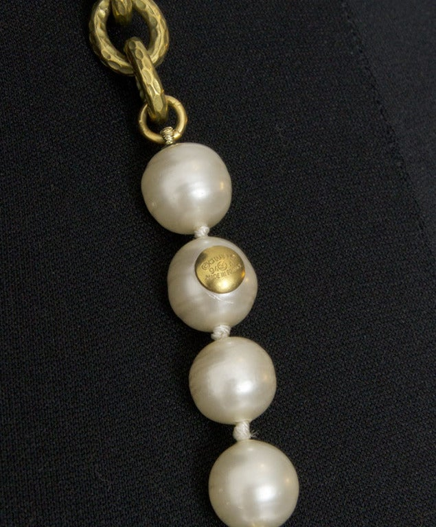 Chanel Pearl and Gold Chain Necklace image 3