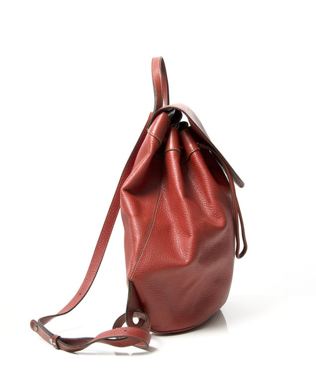 Deux de Delvaux Red Backpack In Excellent Condition For Sale In Antwerp, BE