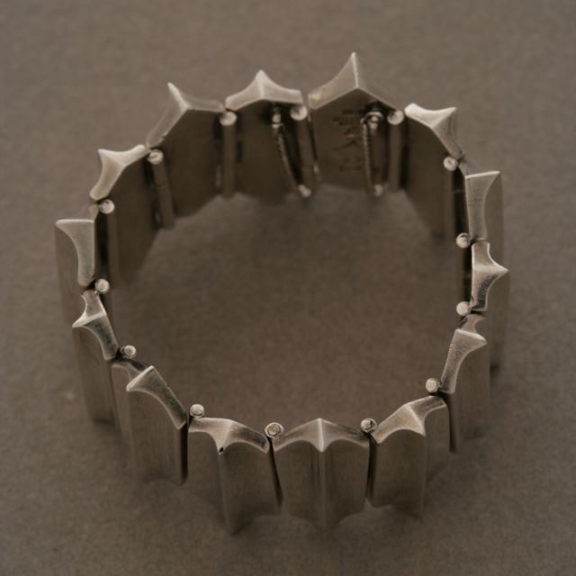"""Antonio Pineda """"Zig-Zag"""" Sterling Silver Bracelet  Extremely heavy, with safety clasp. Made in Taxco, Mexico.  Complimentary gift box and FREE shipping included.  About the designer: Born to an old Taxco family in 1919, Antonio Pineda"""