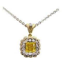 1.68 carats Fancy Vivid Green Yellow VVS2 Radiant Diamond Pendant