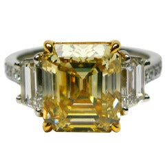 Natural Fancy Yellow GIA 4.41 carat Asscher Diamond Ring