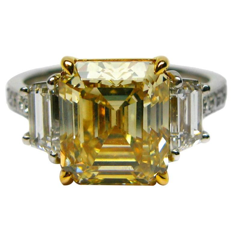 Natural Fancy Yellow GIA 4.41 carat Asscher Diamond Ring