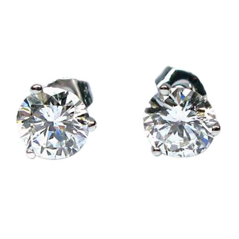 2.06 carats G/H SI1 Round Brilliant Diamond Martini Studs 1