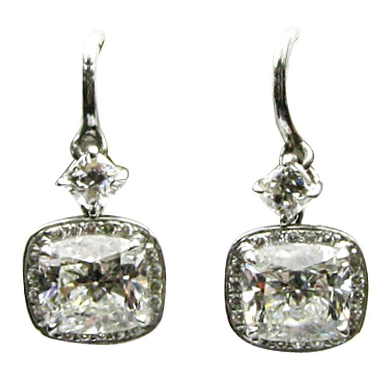 2.55 carats G VS Cushion Diamond Drop Earrings