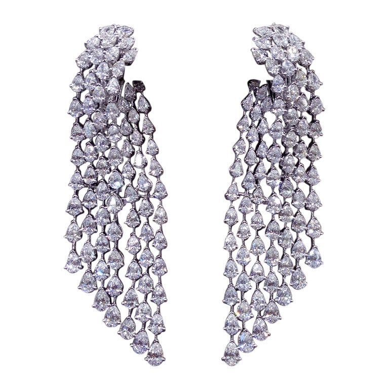Fashion Diamond Chandelier Earrings For Sale at 1stdibs