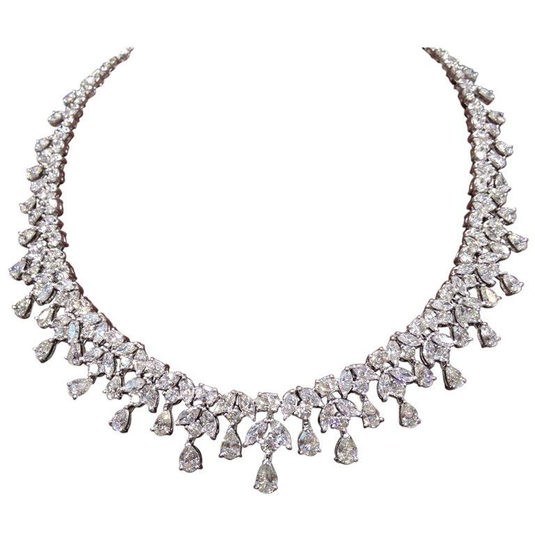 Classic Diamond Necklace set in Platinum For Sale