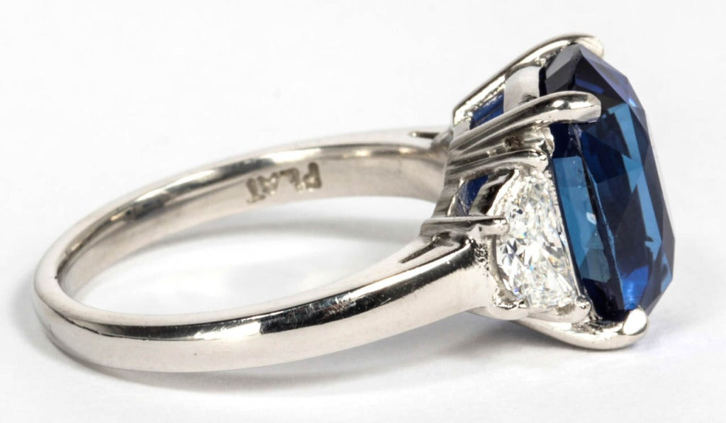 Women's 6 carat Natural No Heat Blue Sapphire and Diamond Ring For Sale