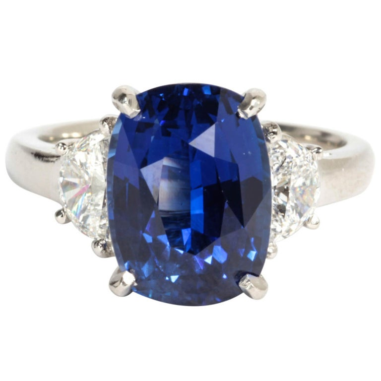 6 carat Natural No Heat Blue Sapphire and Diamond Ring For Sale
