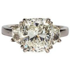 GIA Certified 4.01 Carat Cushion Cut Diamond Engagement Ring set in Platinum
