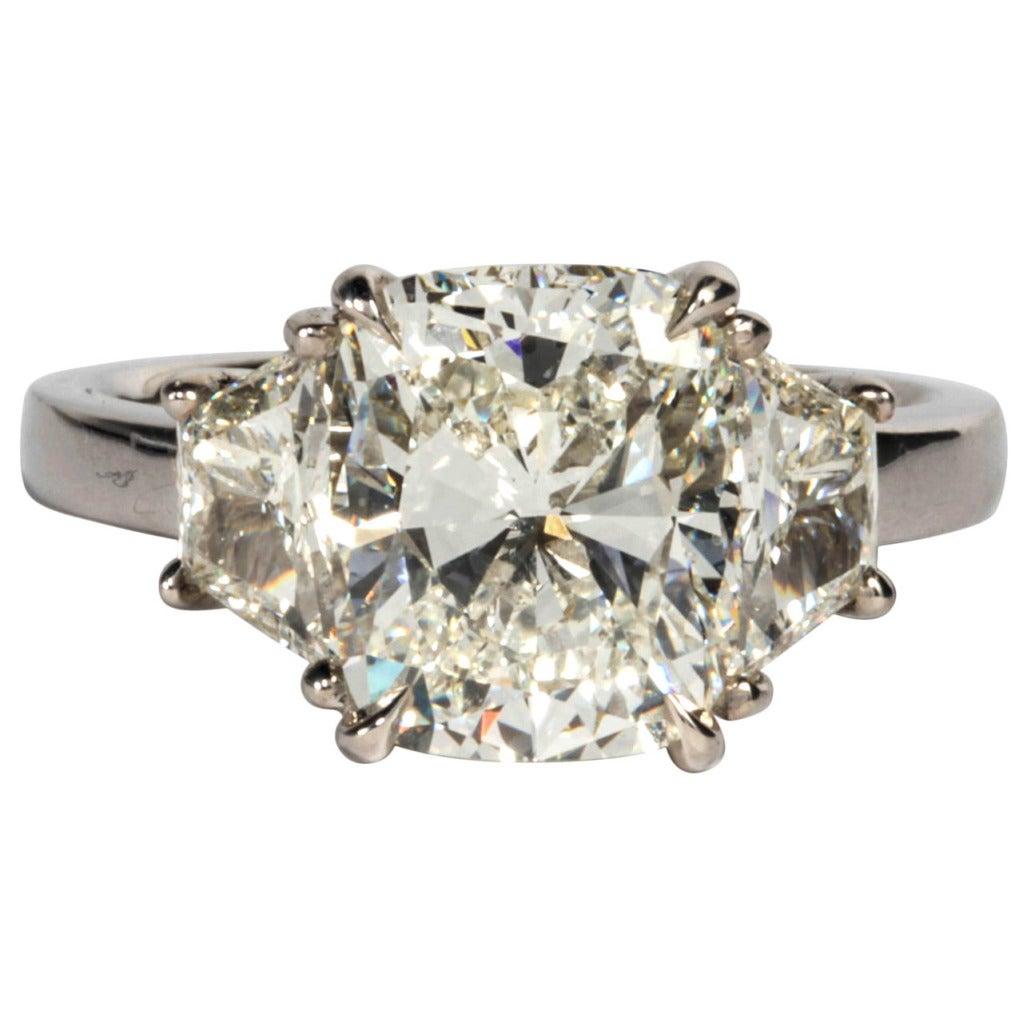 Gia Certified 401 Carat Cushion Cut Diamond Engagement Ring Set In  Platinum 1