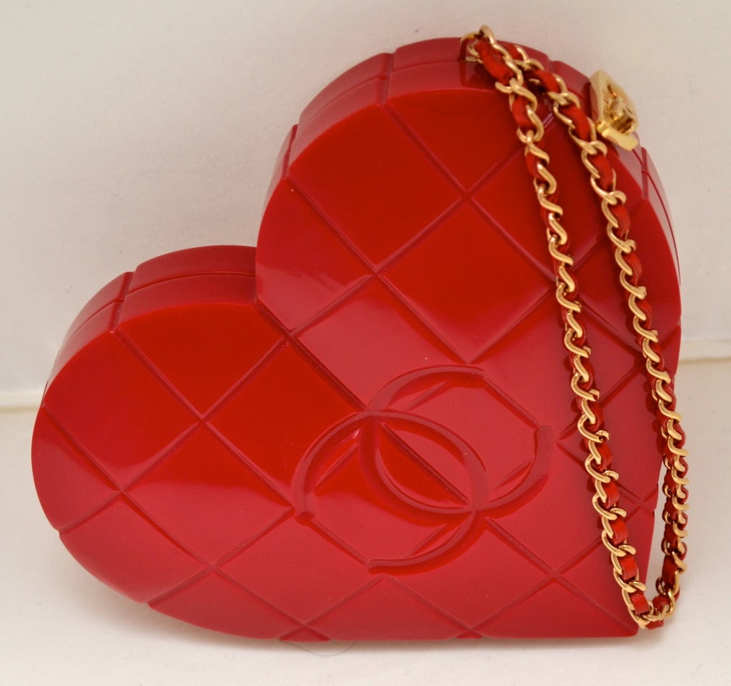 Rare Chanel Cherry Red Lucite Heart Minaudiere Handbag In Excellent Condition In Carmel by the Sea, CA