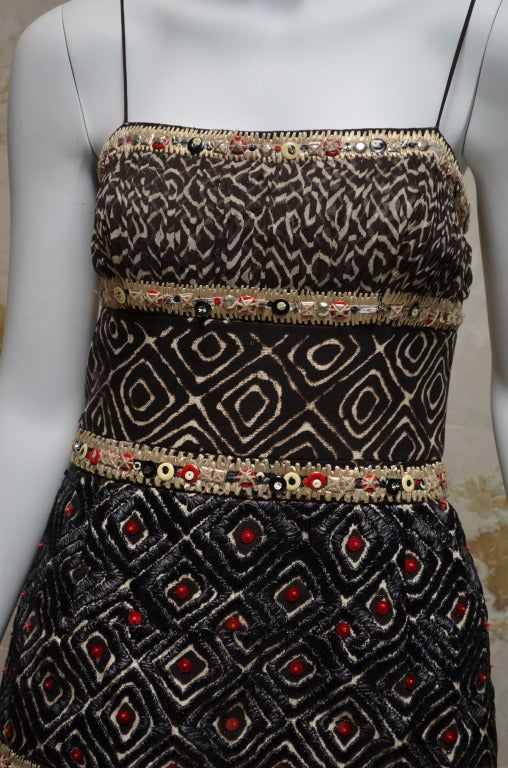 Oscar De La Renta Spring 2008 RTW Tribal Gown In Excellent Condition For Sale In Carmel by the Sea, CA