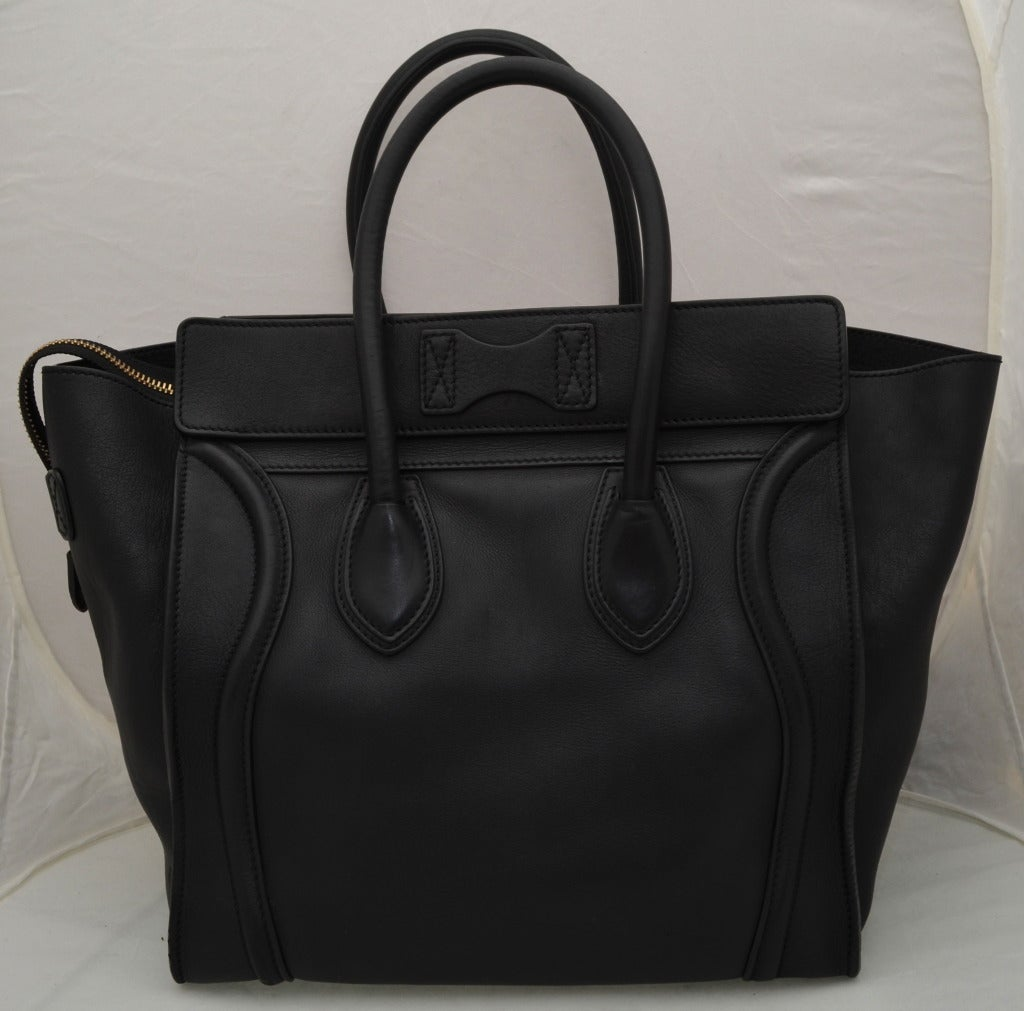Celine Black Luggage Handbag In Good Condition For Sale In Carmel by the Sea, CA