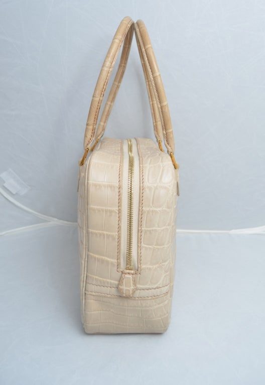 Hermes Paris Crocodile 20 cm Beige Rose Plume Handbag For Sale at ...
