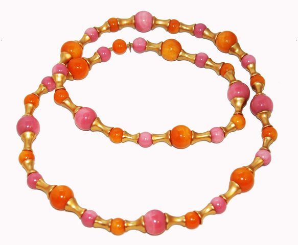 Gorgeous Collectable Chanel Pink & Orange Necklace 1993 In Excellent Condition For Sale In Verviers, BE