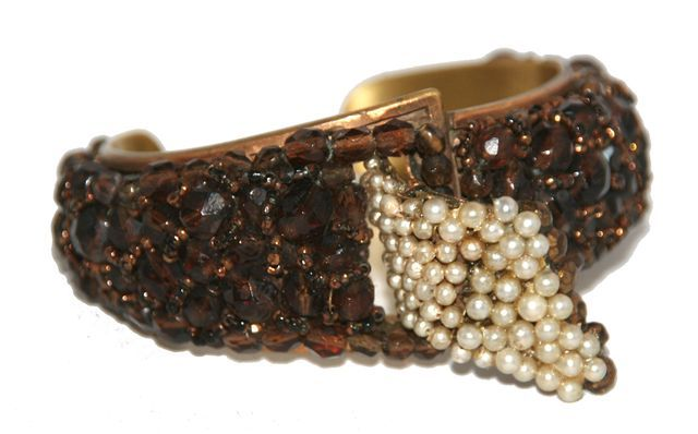 Beautiful Coppola e Toppo bracelet cuff of the 50s. Faceted dark brown crystal beads and small simulated pearls, patinated metal. Fabulous design !!!  Size: max wide: 4.2 cm - 1 3/5 in, Opening 2.5 cm - 1 in.  Made in Italy by Coppola e Toppo.  Very