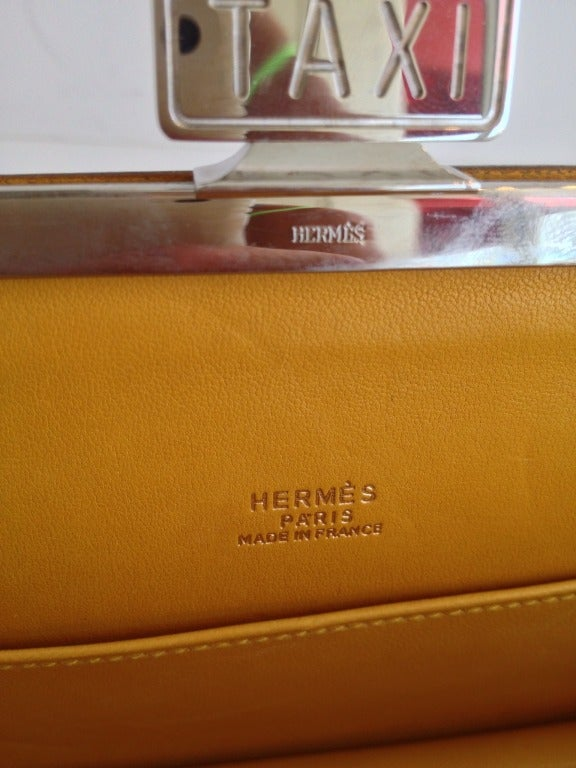 Hermes Taxi Clutch 5