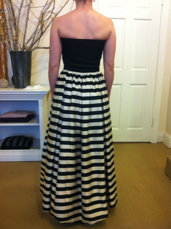 Valentino Black and White Striped Gown In Excellent Condition For Sale In San Francisco, CA