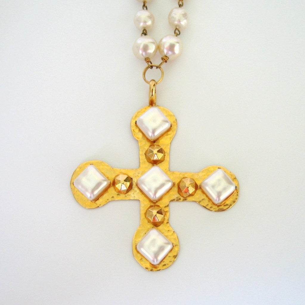 Dominique Aurientis Pearl Studded Maltese Cross Necklace 1980's New Never worn  3