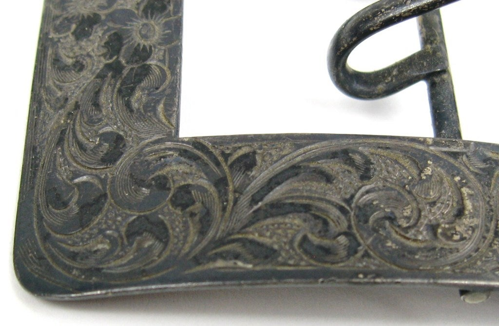 Antique Art Nouveau Sterling Silver Chased Belt Buckle In Excellent Condition For Sale In Wallkill, NY