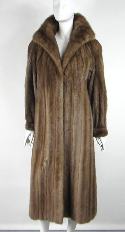 Stunning Vintage Demi-buff Mink Fur Swing Coat 2