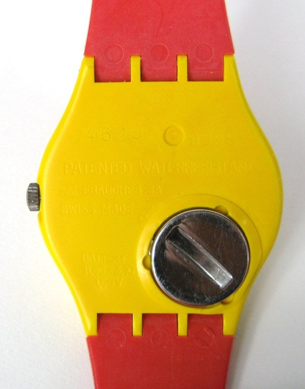 1985 Keith Haring Swatch Watch Modele Avec Personnages GZ100 4