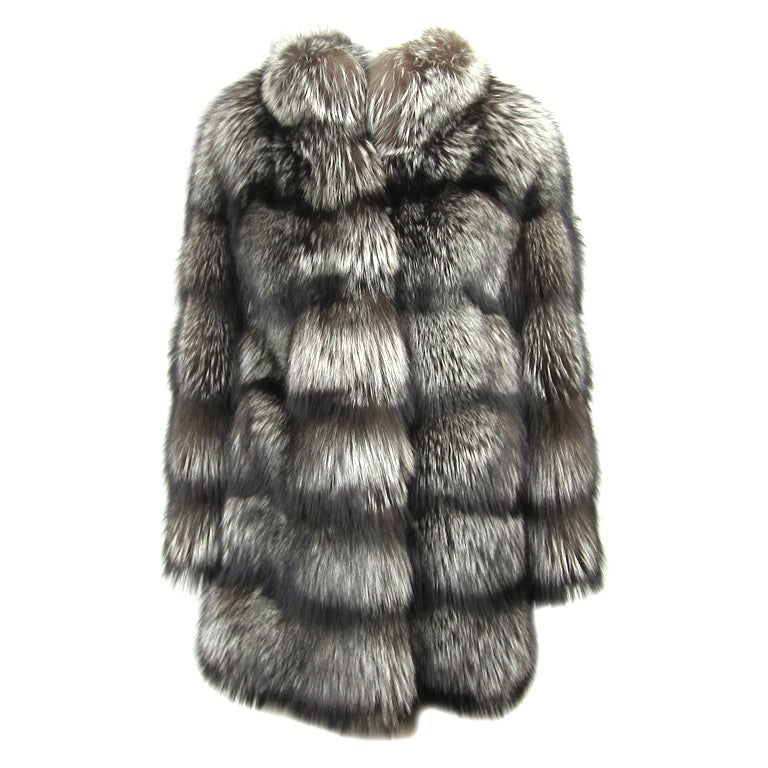 Stunning ESCADA RUSSIAN Silver Fox Couture Over sized Jacket Coat